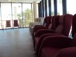 Zonas de espera y descanso 3. Sillones especiales para el confort de las personas de avanzada edad.