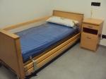 Habitaciones 2. Las camas están articuladas con 4 planos variables en inclinación y altura para conseguir la postura más idónea para el usuario. Eléctricas y elevables.